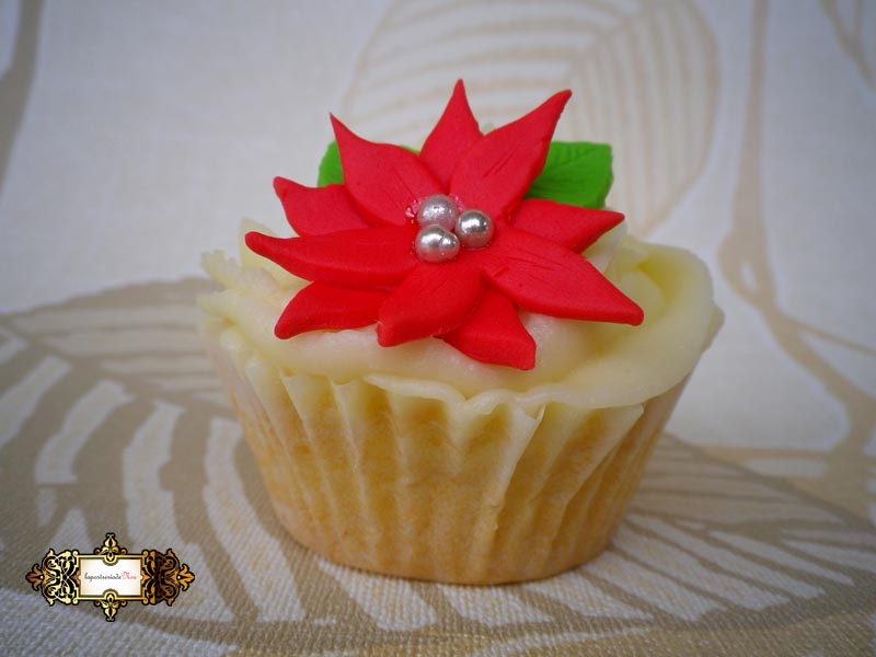 CHRISTMAS CUPCAKES by Noe